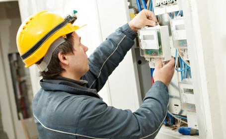 Nu se oprește curentul dacă consumatorii refuză să accepte ofertele de pe piața energiei, din ianuarie 2021. Care sunt însă a