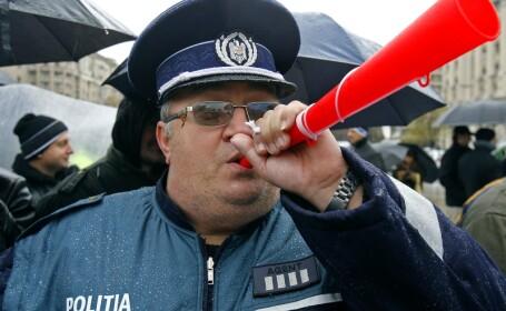 Taierea primelor si sporurilor ii scoate in strada pe politisti!
