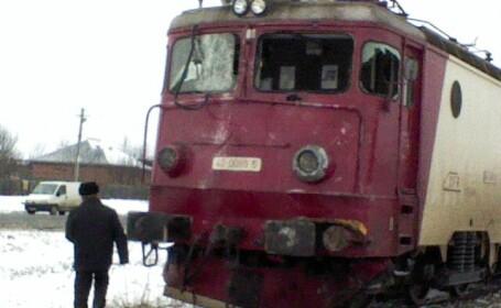 100 de trenuri anulate, intarzieri de peste 400 de minute
