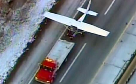 A aterizat cu avionul pe o autostrada din New Jersey!