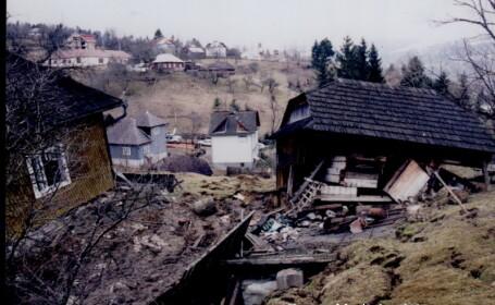 Blestemul din Valea Rea. Localnicii amenintati de alunecarile de teren