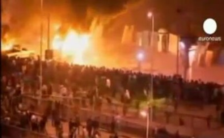 Imagini incredibile. Calaretul Apocalipsei bantuie strazile din Cairo.VIDEO