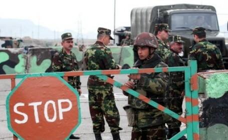 Un soldat din Azerbaidjan si-a impuscat mortal sapte colegi