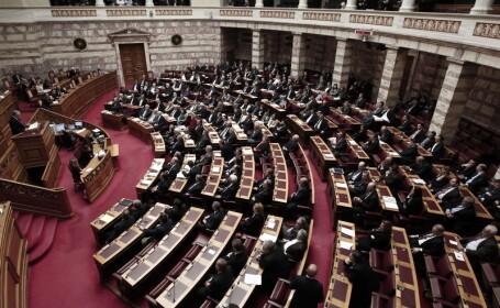 Criza politica in Grecia. Parlamentul anunta dizolvarea sa si organizarea de alegeri anticipate la 25 ianuarie