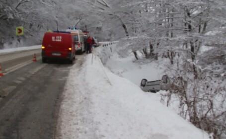 accident pe drum inzapezit