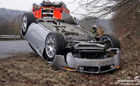 Asa arata un BMW Z8 facut praf si intors cu rotile-n sus