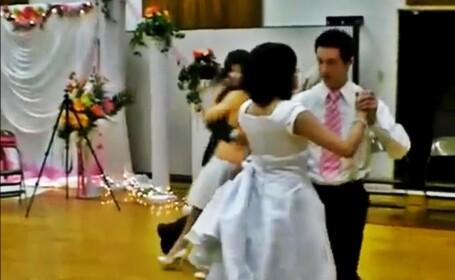 Daca asa arata repetitiile, nunta va fi un dezastru. VIDEO