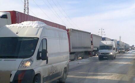 800 de TIR-uri bocate in Vama Giurgiu. Coloana s-a intins pe o distanta de 15 kilometri