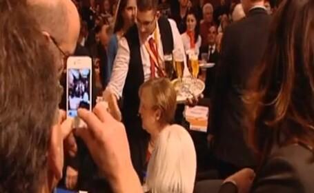 Angela Merkel bere
