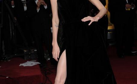 GALERIE FOTO. Aceste imagini au devenit virale pe net. Ce s-a intamplat cu piciorul Angelinei Jolie