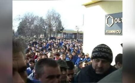 Greva spontana la Oltchim. Muncitorii sunt speriati ca vor ramane fara locuri de munca