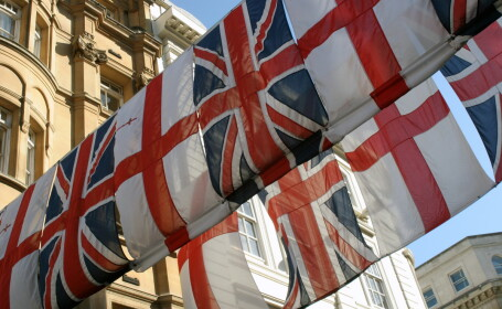Marea Britanie ia o decizie fara precedent, ce vizeaza toti imigrantii din UE