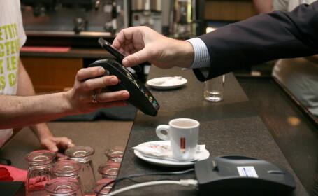 Visa si Samsung pregatesc o aplicatie inovatoare. Cum se transforma telefonul mobil in card bancar