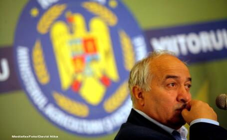 Fostul consilier al presedintelui Basescu ii sfideaza, politicos, pe cei din comisia Nana. De ce nu poate fi audiat Radulescu