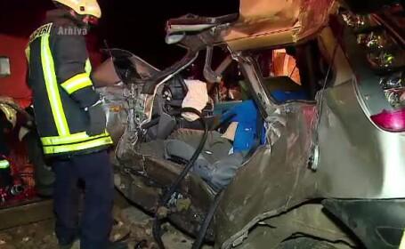 Tragedie la o trecere de cale ferata din Vaslui. Patru persoane au murit dupa ce masina a fost lovita de tren