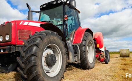 tractor furturi