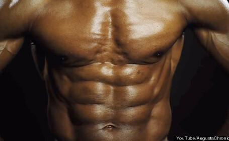 Cei care ii vad abdomenul refuza sa creada ca are varsta din buletin. Cum arata batranul de 70 de ani. VIDEO