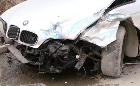Accident pe Calea Sagului, la Timisoara. Trei masini s-au ciocnit violent, nici o persoana nu a fost ranita