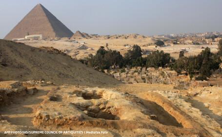 marea piramida a lui Cheops Egipt morminte