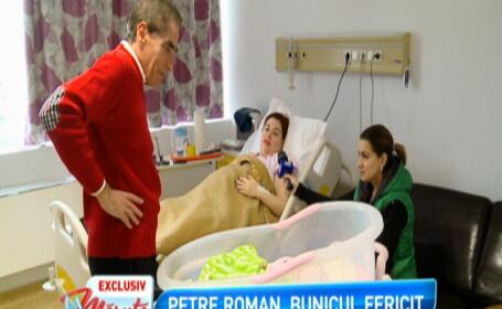 Petre Roman emotionat, dupa ce si-a vizitat nepotica la spital. \