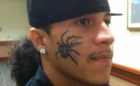 Un barbat in varsta de 24 de ani din Statele Unite si-a invins cea mai mare frica printr-un tatuaj. FOTO