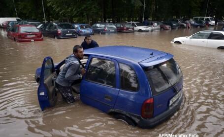 In mai multe zone din Bulgaria a fost declarata stare de urgenta, din cauza inundatiilor. Mai multe persoane, date disparute