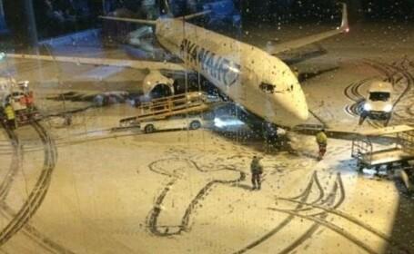 Raspunsul Ryanair, dupa ce angajatii sai au devenit subiectul unei poze cunoscuta in toata lumea