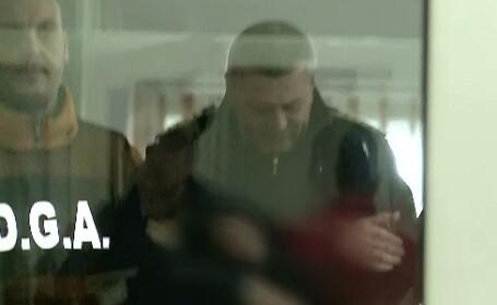 Afaceri ilegale la Penitenciarul Arad. Un agent oferea detinutilor telefoane mobile in schimbul unei sume de bani