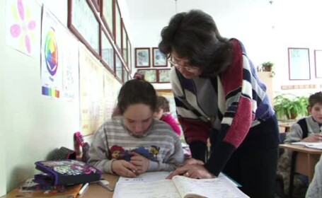 Copiii care cresc fara parinti, ajutati de cativa voluntari cu suflet mare. Proiectul pus la cale de o fundatie caritabila
