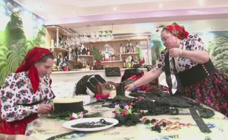 Traditii din Tara Oasului. O singura rochie de mireasa cantareste 25 de kilograme si costa mii de euro
