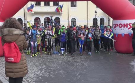 Concurs nocturn la Sinaia. Peste 100 de persoane au participat la o alergare pe munte pe timp de noapte