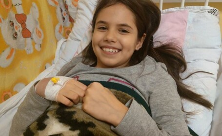 La 10 ani, Daria se lupta cu o boala care ataca doi copii dintr-un milion, iar in Romania are 0% sanse. Cum o puteti ajuta