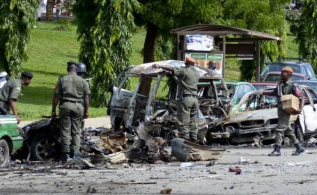 Femeile-kamikaze din Nigeria au facut alte victime: 50 de morti in doua atentate intr-un loc de rugaciune pentru musulmani