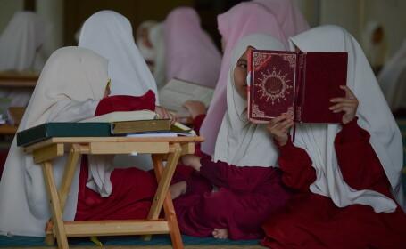 Tinere musulmane