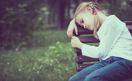 Durerile de cap sau de burta, semne care tradeaza depresia la copii. Simptomele care ar trebui sa-i ingrijoreze pe parinti