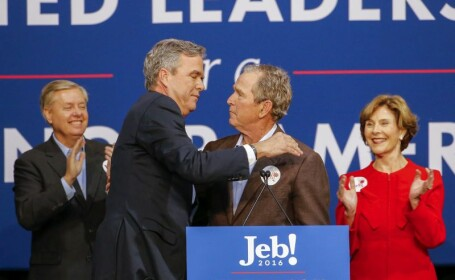 S-a intors ca sa isi ajute fratele. George W. Bush l-a criticat dur pe Donald Trump, insa fara a-i rosti numele