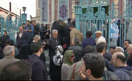Iranienii au stat la cozi uriase pentru alegeri duble. Miza uriasa a scrutinului la care au votat 32 de milioane de oameni