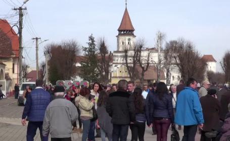 Satul din Romania care s-a umplut de turisti din toate colturile lumii. O traditie atrage aici mii de oameni in fiecare an