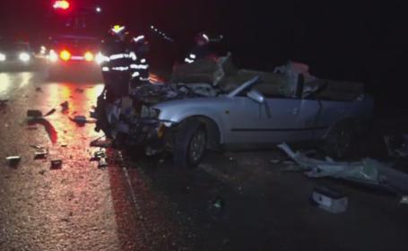 Scene dramatice pe un drum din Botosani. Un tanar de 25 de ani a murit dupa ce a intrat cu masina in parapetul soselei