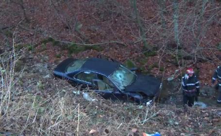 Barbat de 71 de ani, mort dupa ce a cazut cu masina in rapa. La volan se afla nepotul sau, sofer incepator