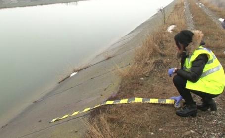 Moarte suspecta in Bacau, unde a fost gasit cadavrul pe jumatate dezbracat al unui barbat. Ce suspecteaza anchetatorii