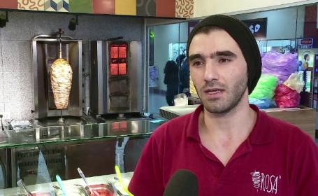 Concluzia unui patron din Cluj, dupa ce a angajat doi refugiati la shaormerie: \