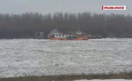 Din cauza gerului, armatorii au inceput sa sparga gheata de pe Dunare. De ce autoritatile nu au intervenit pana acum