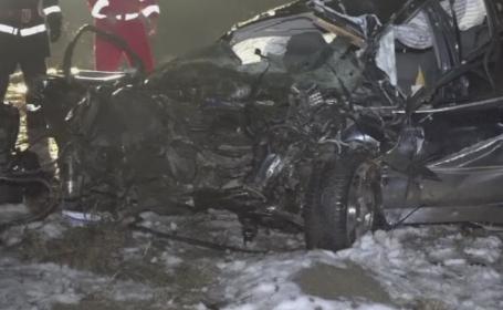 Din cauza vitezei, un tanar de 25 de ani a murit in masina aproape dezmembrata. Autoturismul s-a rostogolit 200 de metri