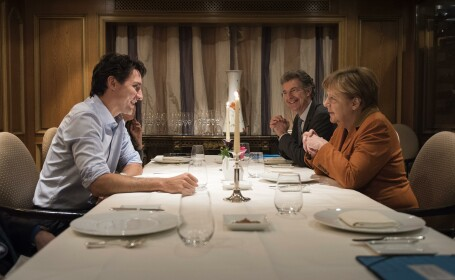 Justin Trudeau si Angela Merkel - Getty