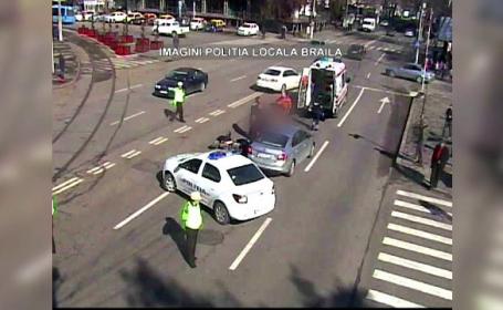 Un barbat de 53 de ani, care se afla pe un moped, a fost izbit de un autoturism. Accidentul a fost filmat