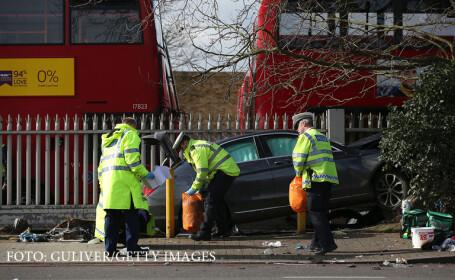 5 romani raniti, dintre care unul in stare grava, dupa ce o masina a intrat in multime la Londra. \