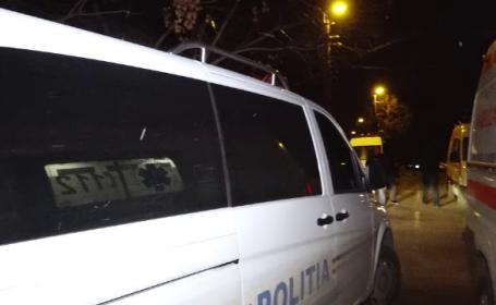 Poliţist anchetat după ce a lovit cu maşina un pieton care s-a înfipt înt-o ţeavă