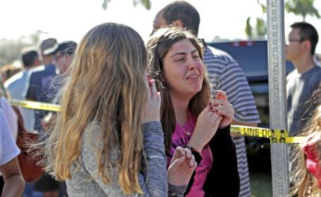 """Un polițist înarmat ar fi putut opri masacrul din Florida. Trump: """"Este un laș"""""""