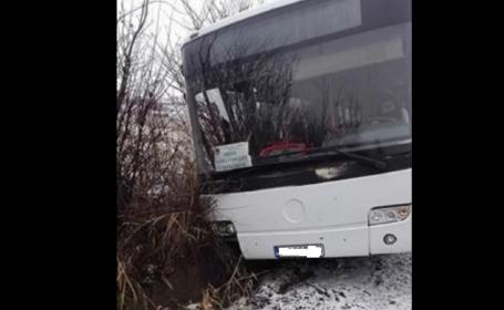 """Un autobuz plin cu pasageri a rămas fără frâne, în Prahova: """"Am ieșit direct prin cioburi"""""""